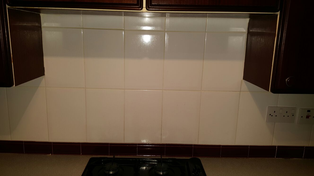 Kitchen Wall Tile Before Refresh in Edinburgh