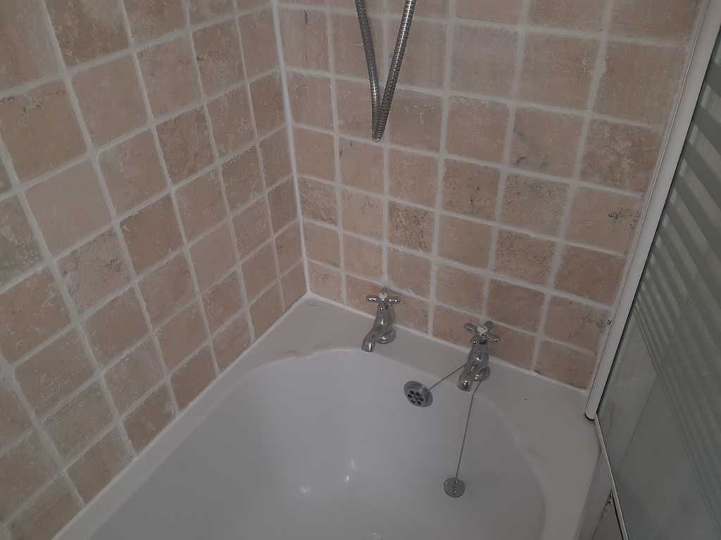 bath tile refresh in edinburgh tile cleaners tile cleaning