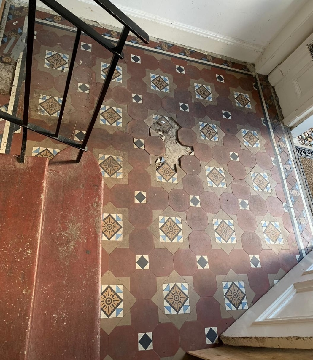 Victorian Tiled Entrance Edinburgh Before Restoration