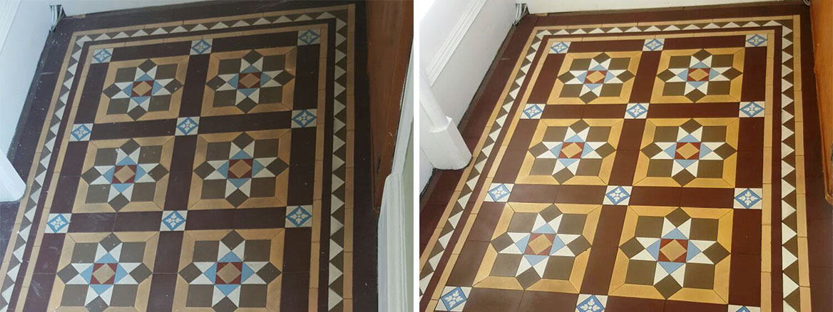 Dirty Victorian Tiled Hallway Restored in Edinburgh